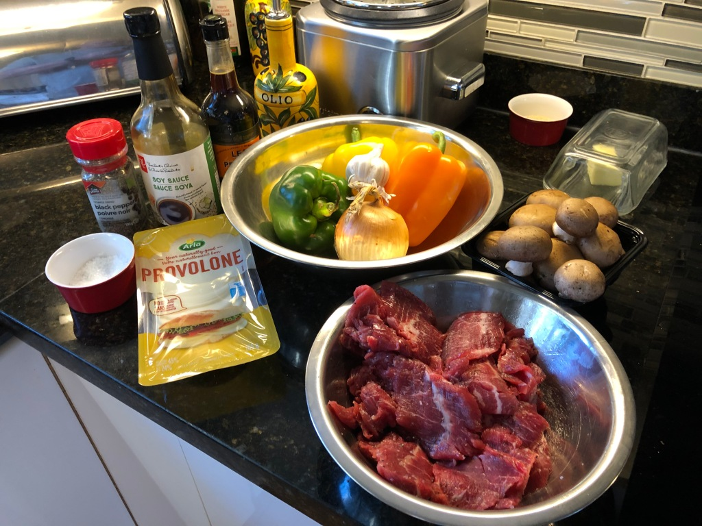 Choose your favourite colour bell peppers, add mushrooms, onion, flank steak and provolone cheese and you have a lower carb version of a world famous comfort food.