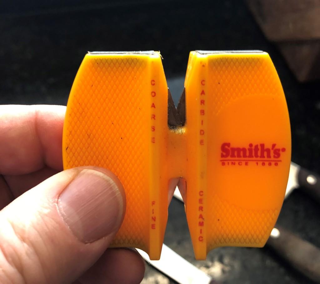 Preset crossed carbide blades provide quick edge setting